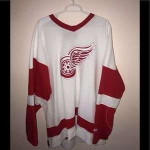 NWOT- Detroit Red Wings XXL Jersey PLUS #20 Figure
